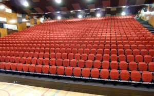 Kardinia College Victoria: Retractable Seating